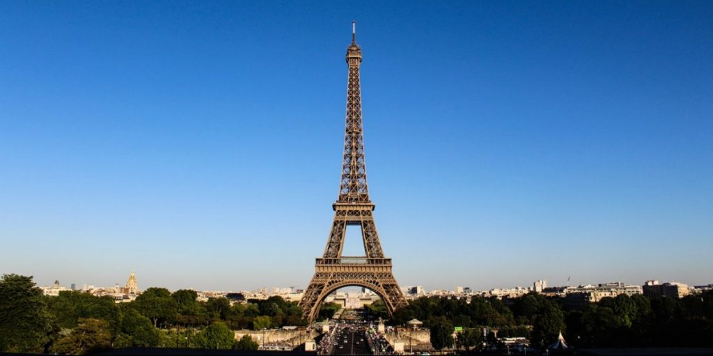 French CV Eiffel Tower featured